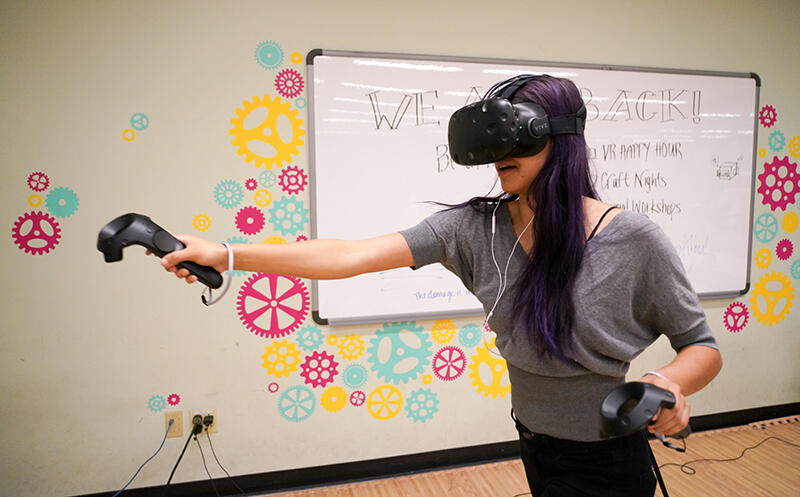 A full-motion immersive VR space